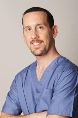 Dr Itay Leiser